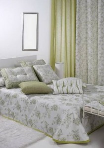 Model floral pentru dormitor