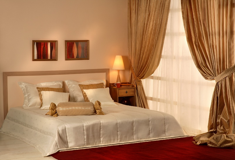 perdele_si_draperii_pentru_dormitor_elegant_modern