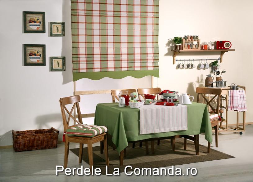 perdele-pentru-bucatarie-carouri-verde-roz Perdele pentru bucatarie