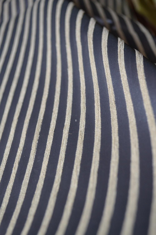 84702256-draperie dungi albastre