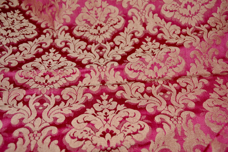 TM112-material tapitat stil victorian rosu