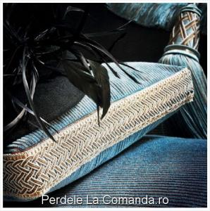 SxxA004-pasmanterie-perne-decorative-albastru
