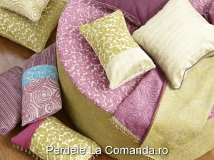 LxxA004-perne-decorative-catifea-model-floral-verde-dungi-bej-mov