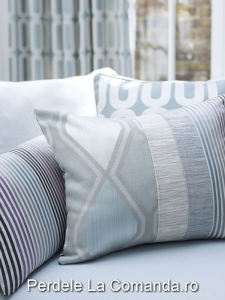 PxxA026-perne-decorative-model-geometric-albastru